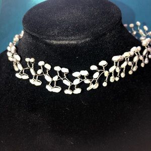 Jewelry - Artisan made pearl choker